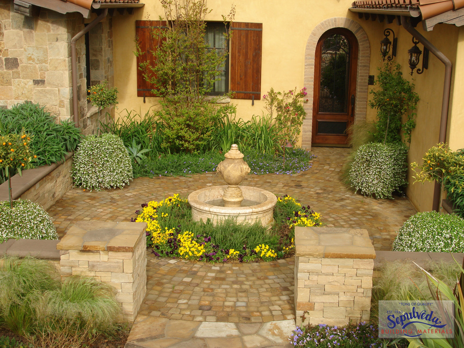 Old world courtyard courtyard pinterest courtyards for Old world house plans courtyard